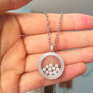 Beautiful floating crystals necklace